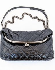 bag CHANEL Tabatiere kisslock black