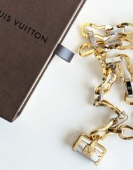 bijoux VUITTON gold